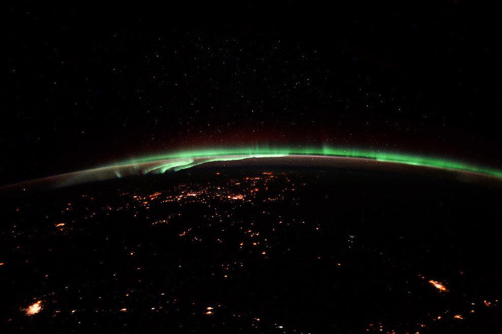 МКС охотится за световыми сполохами